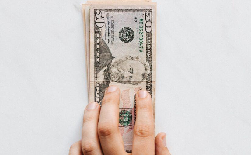Sådan får du en billig og god revisor til din enkeltmandsvirksomhed